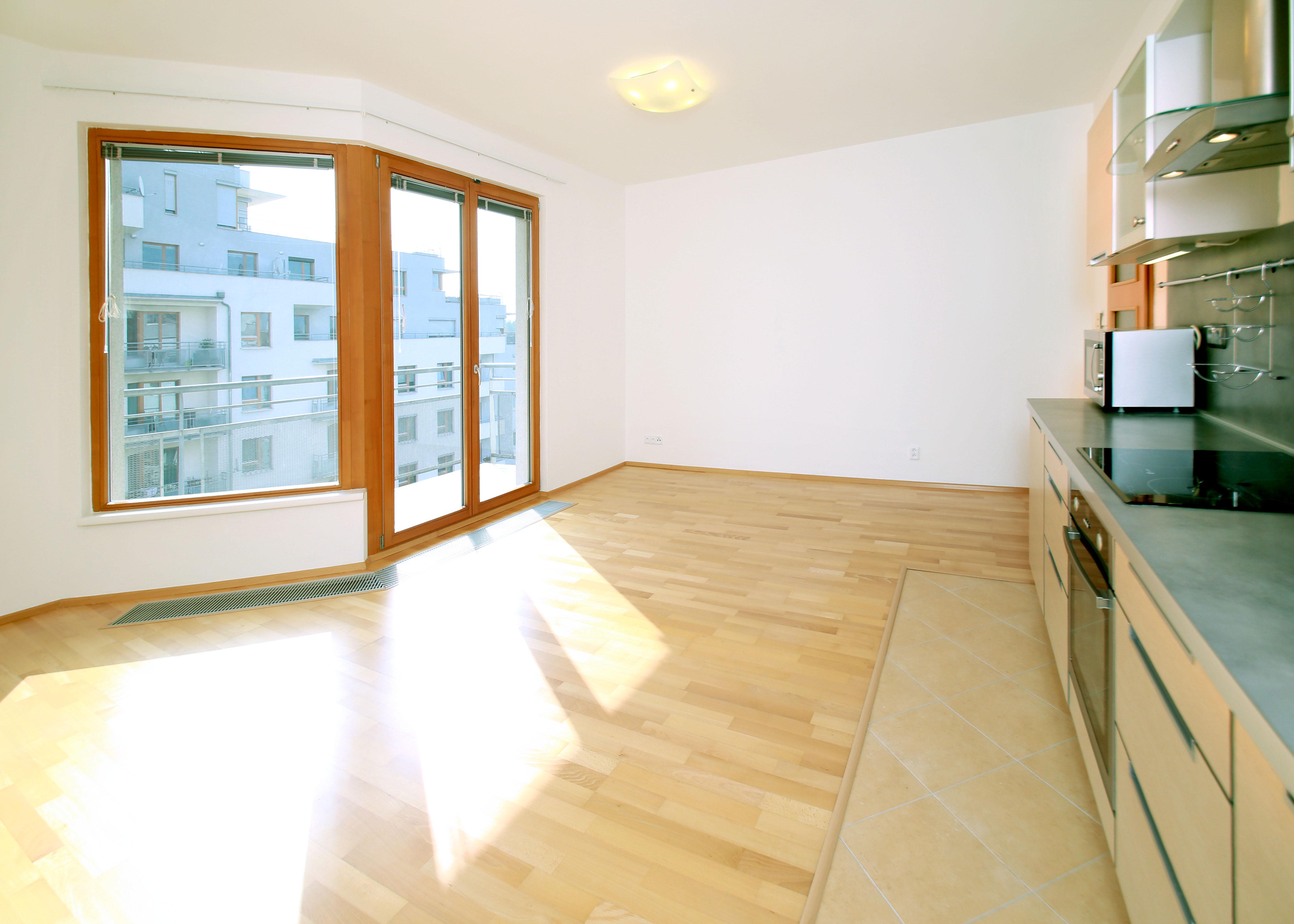 Prodej bytu 2+kk s balkonem - Záběhlice