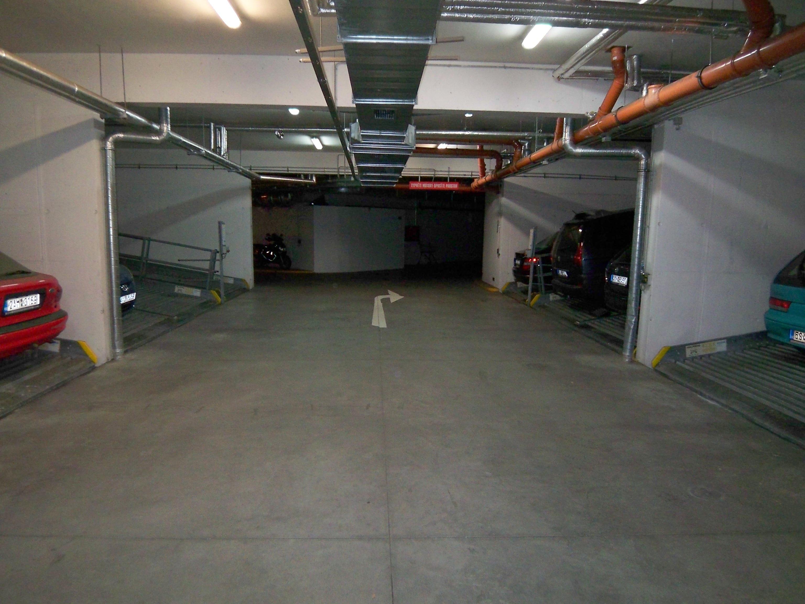 Pronájem garáže Přípotoční